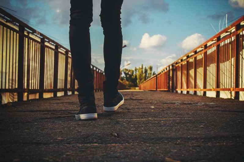 bridge feet railings shoes